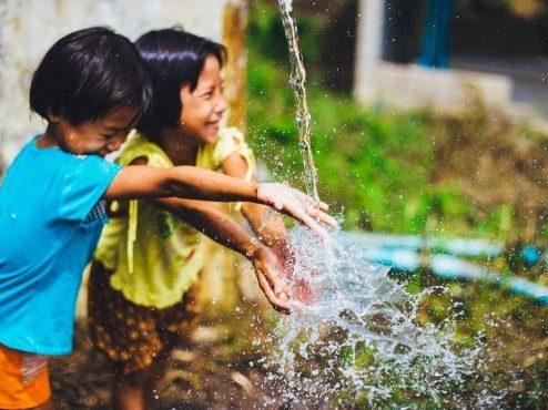 project_72755_sadaqah_jariyah_in_honor_of_shaik_ameer_jaani_water_well_children-water-555x370
